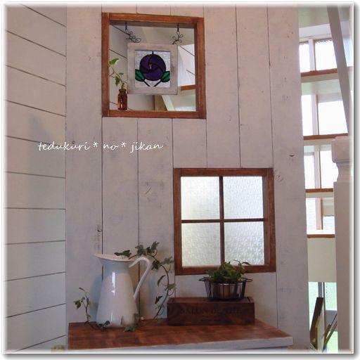 小窓にステンドグラス2