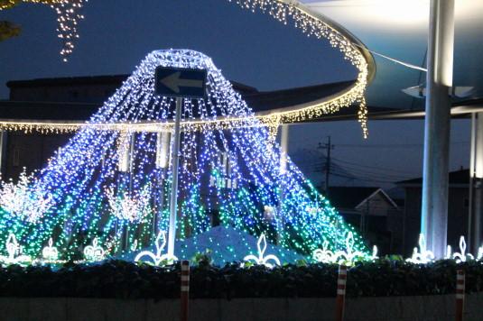 イルミネーション 竜王駅 富士山コラボ