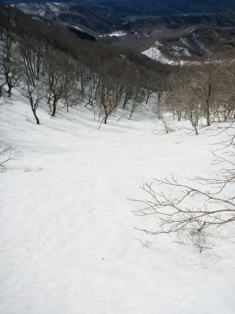 木谷源頭部の雪原