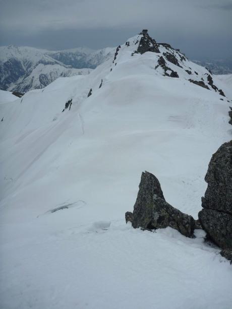 雪庇の尾根