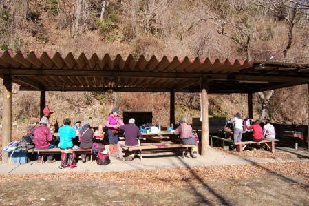 13キャンプ場・昼食