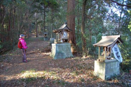 4白山神社参道