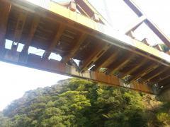 木製の車道橋です