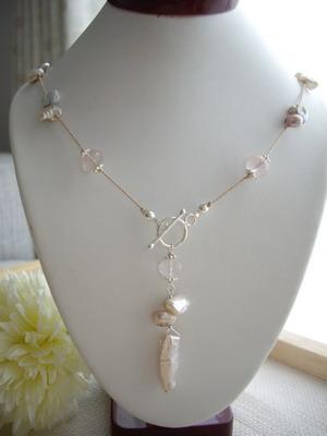 stick pearl neckace