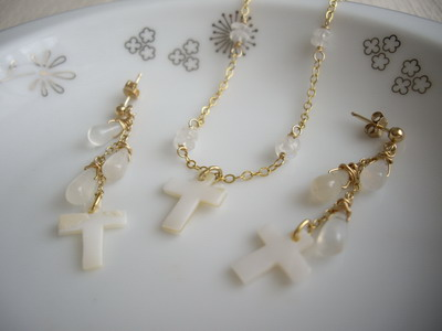 shell cross bracelet & earrings