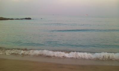 静かな浜辺に・