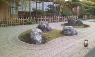 清らかな石庭