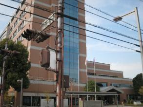 昭島市役所。
