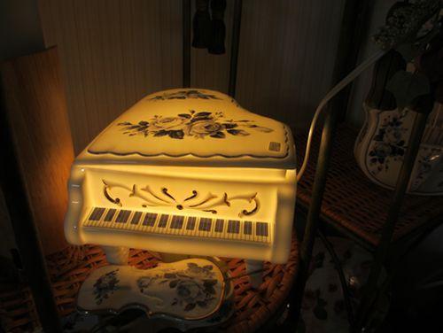 ピアノランプ