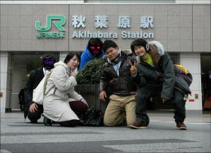 ジャカ☆マシーン(左からリン・小日向・先生・ばうちゃん・アトムさん)