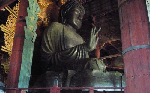 奈良・東大寺の盧舎那仏