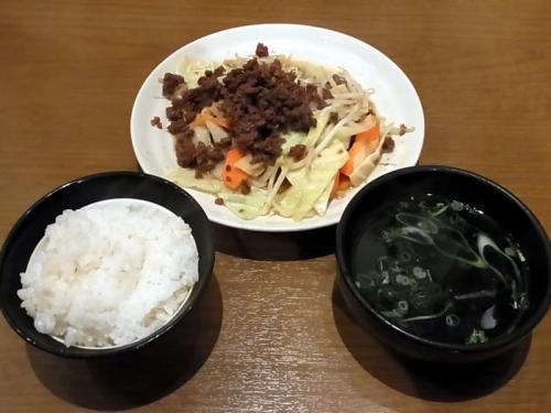 牛たんフレークと野菜炒め定食
