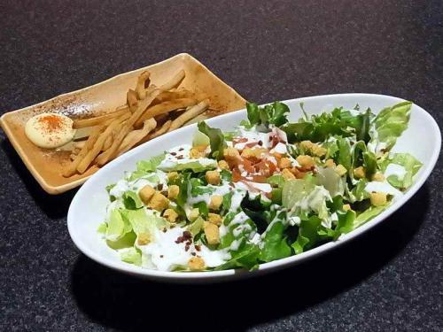 やわらかいかの炙り焼き&彩り野菜のシーザーサラダ