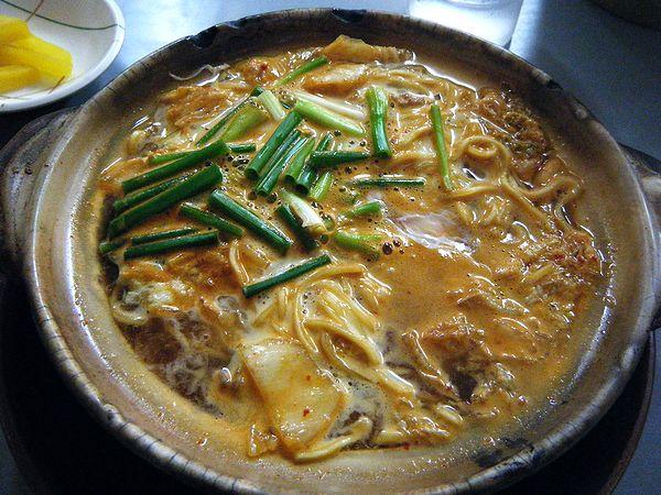 鍋焼きラーメン(キムチ)