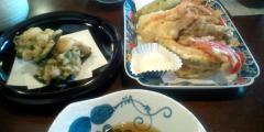 しび:天ぷら盛り合わせ(海老2尾と季節の野菜)¥450:天ぷら衣は蕎麦粉