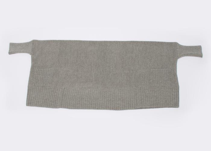 motomi.m・モトミエムのストールを羽織ったようなカーディガン