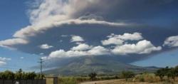 chaparrastique-erupts-29-12-13.jpg