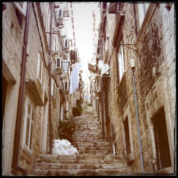 ドブロブニクの路地裏階段