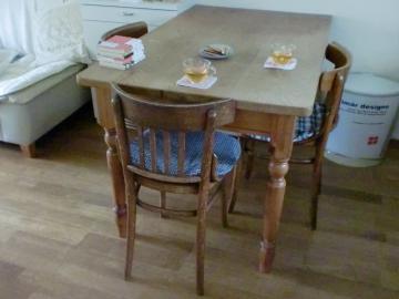 テーブル&チェアー