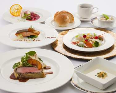 CTSNVHI_Hilton_Niseko_Village_weddings_cuisine_type_weddingmenu06.jpg