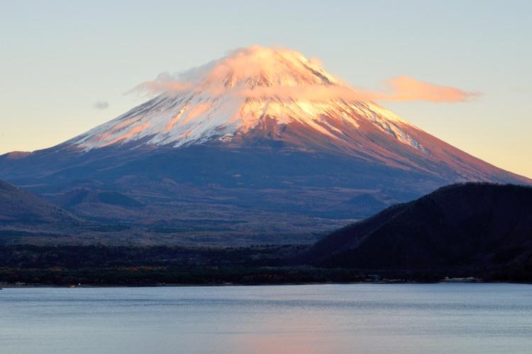 本栖湖の赤富士3