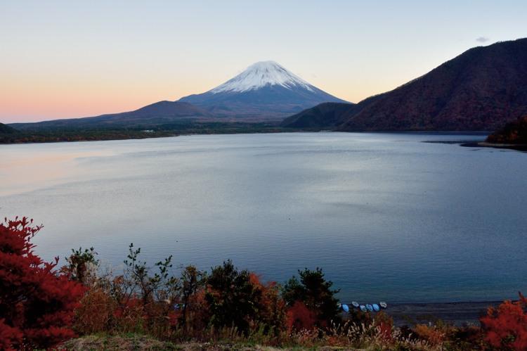 本栖湖の赤富士6