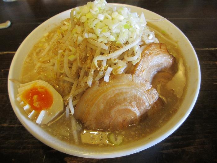 東横寺尾 醤油豚骨ラーメン