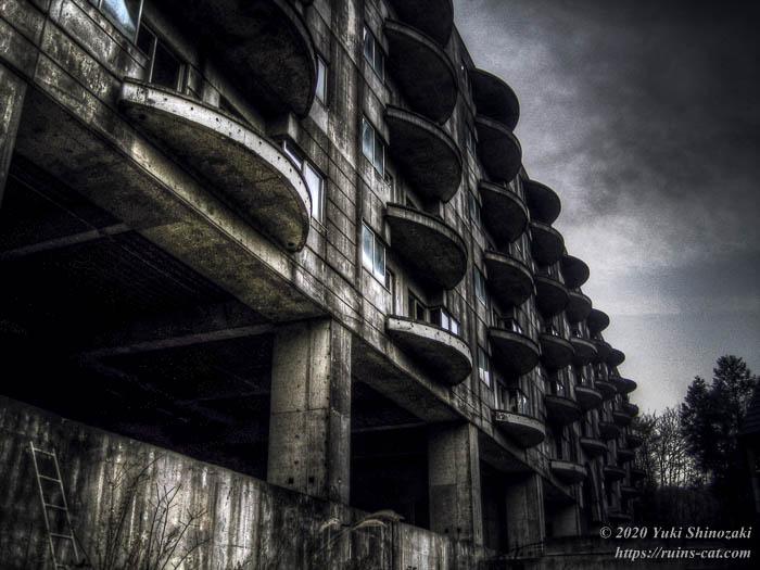 IMG_6165_6_tonemapped_ruinscat.jpg