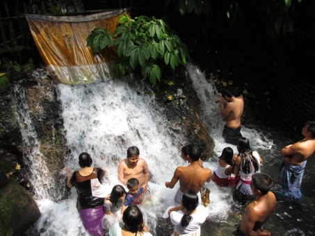 スバトゥ沐浴